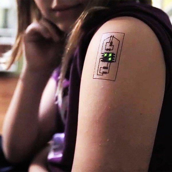 Cмартфон, планшет, идея, концепт, дизайн, спорт, фитнес, часы, Chaotic Moon Tech Tat: биометрические татуировки могут заменить большинство носимых гаджетов
