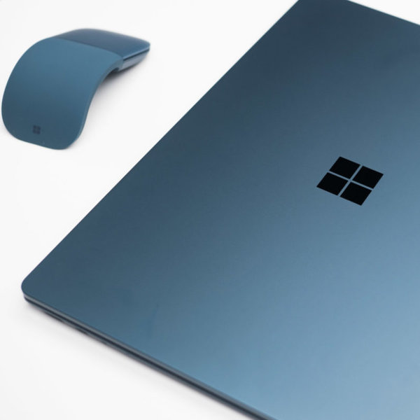 Microsoft,Windows,Surface, Главные анонсы Microsoft: ноутбук Surface Laptop, мышка Surface Arc mouse и новая Windows 10 S