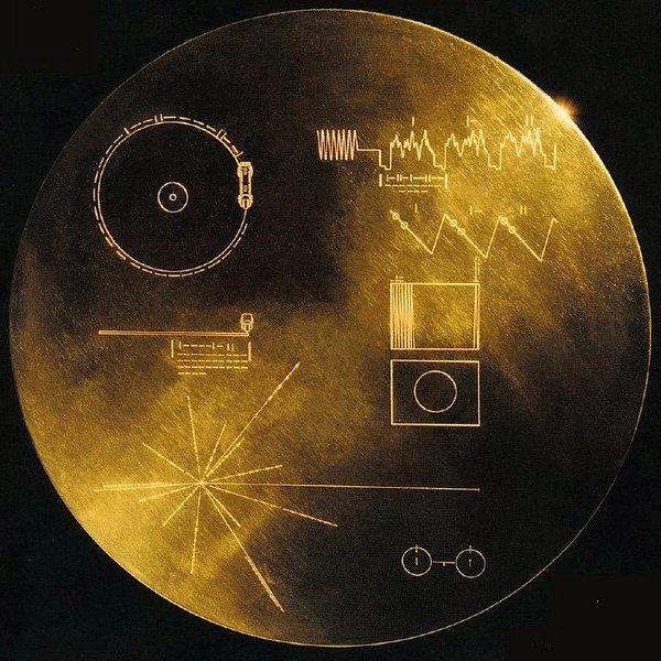 История,NASA,космос, Великая космическая Одиссея: скоро связь с «Вояджерами» прервется навсегда