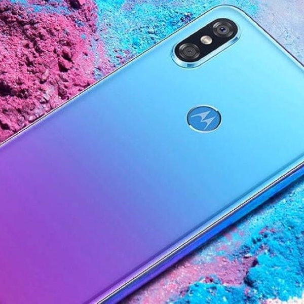 Android,смартфон, Motorola P30 стал ещё одним клоном iPhone X