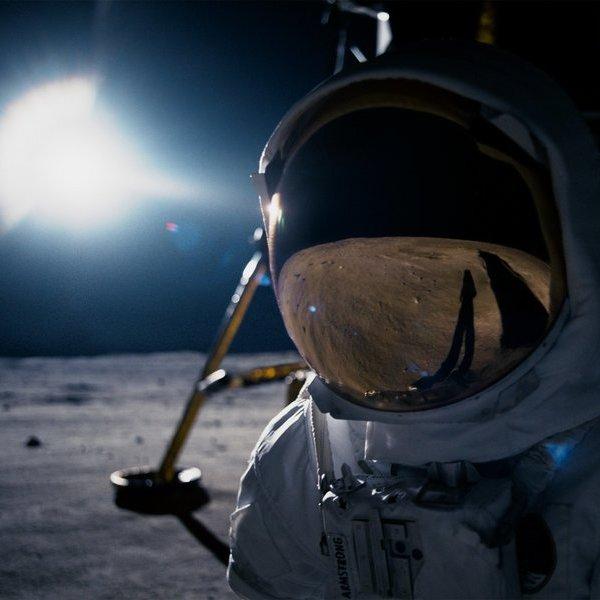 космос, Перевоплощение в легендарного Нила Армстронга: примеряем исторические скафандры NASA